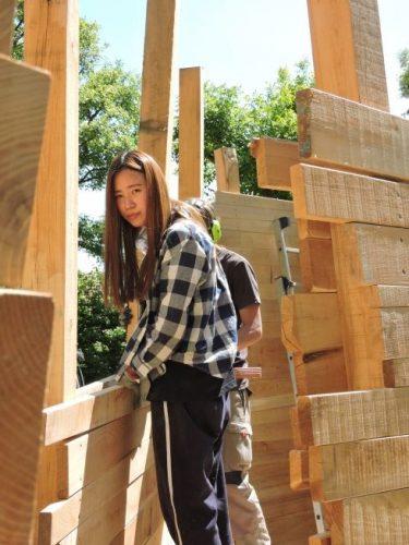 …….Ihr Studium dreht sich um Skulpturen. Beim Workcamp möchte sie mit den anderen Teilnehmern neue Erfahrungen machen, etwas lernen und die Freude über das Erreichte teilen.