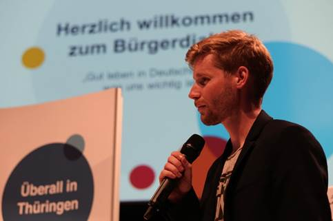 Moderator für die Freizeitanlage: Erik Flügge im Interview